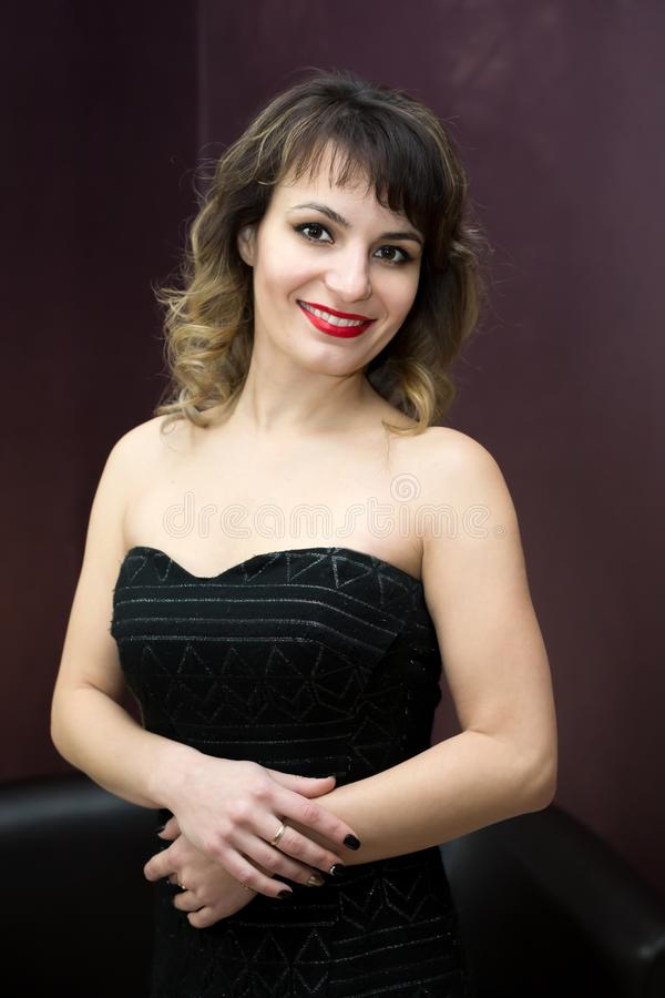 Ritratto Di Una Donna 30 Anni Immagine Stock - Immagine di ...