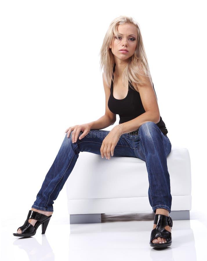 Ritratto di una donna bionda. fotografia stock libera da diritti