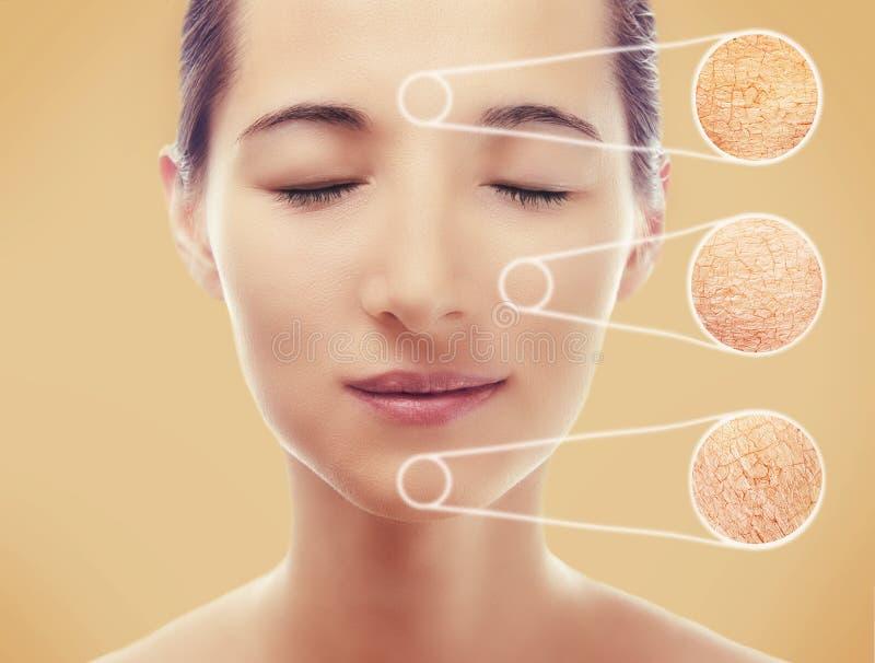 Ritratto di una donna con pelle liscia dopo la procedura fotografia stock libera da diritti