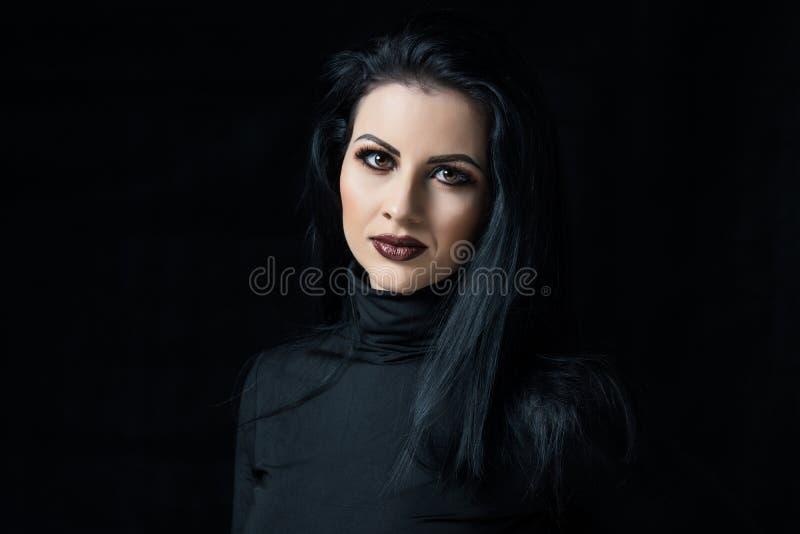 Ritratto di una ragazza graziosa immagine stock libera da diritti