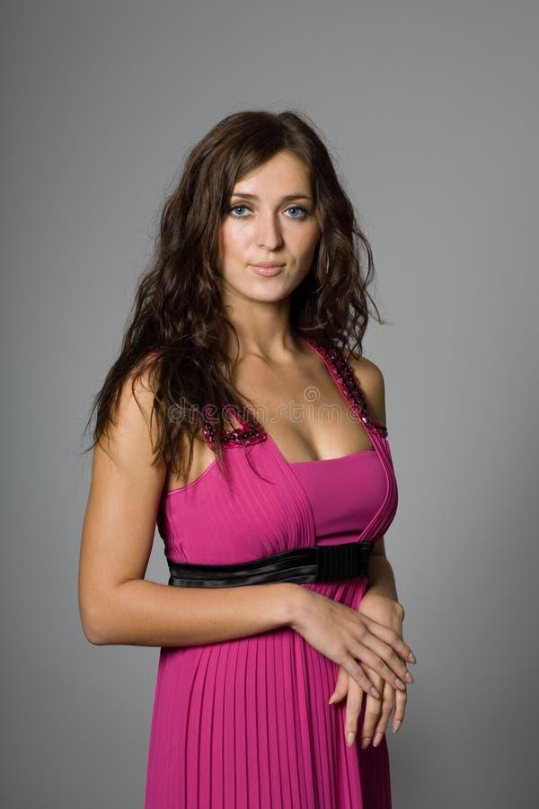 Ritratto di una ragazza nel colore rosa immagine stock - Colorazione immagine di una ragazza ...