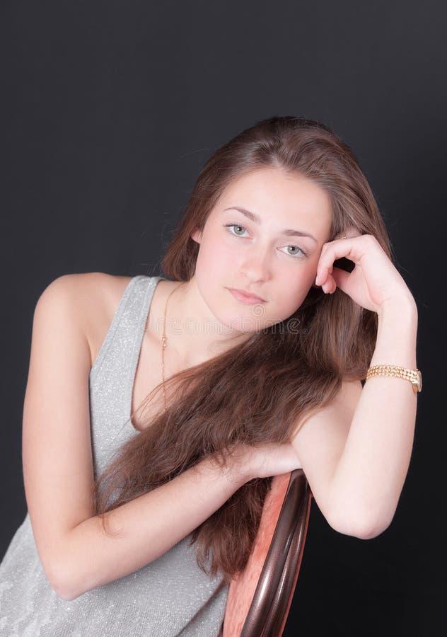 Ritratto di una ragazza premurosa fotografie stock libere da diritti
