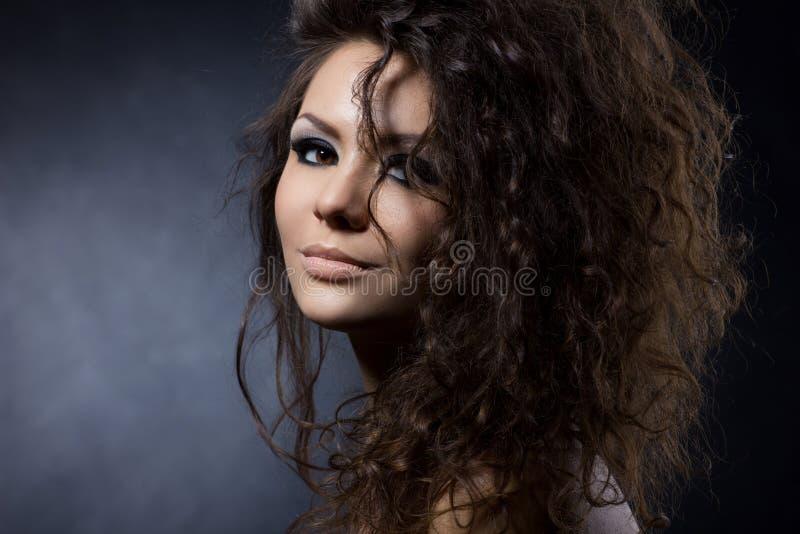 Ritratto di una ragazza splendida fotografia stock