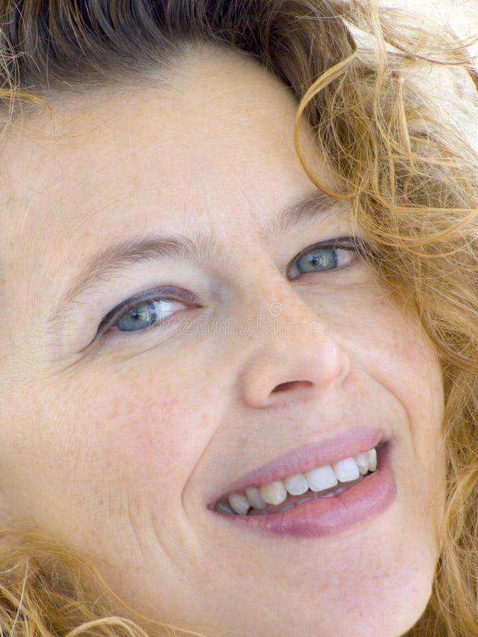 Ritratto di una signora bionda immagine stock libera da diritti