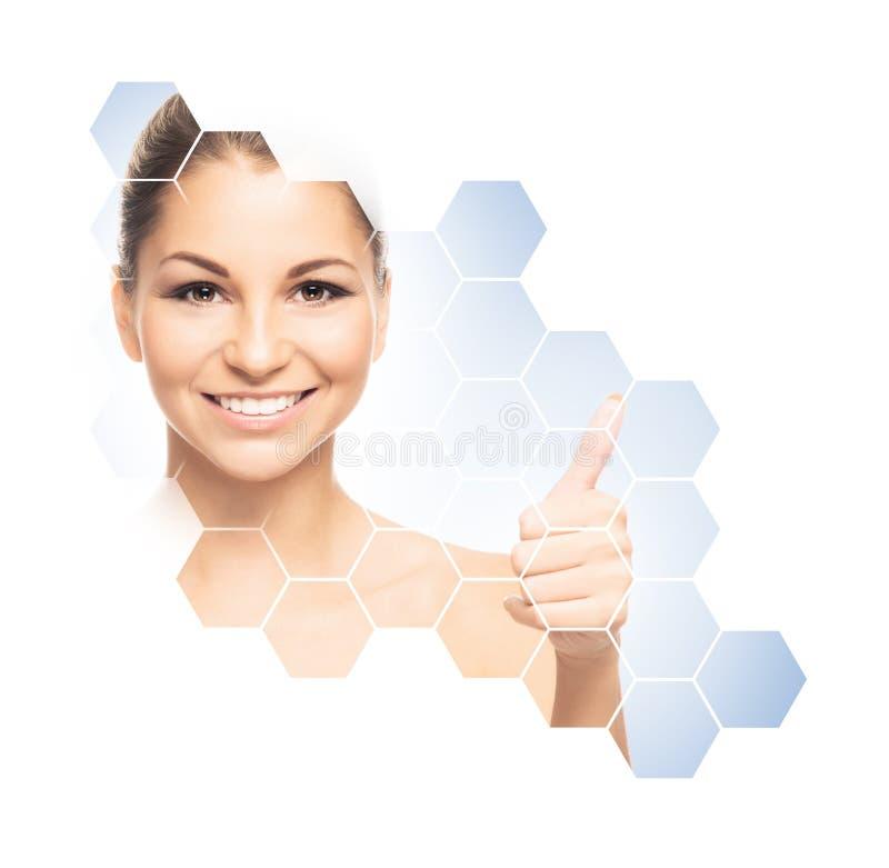 Ritratto facciale di giovane e ragazza in buona salute Chirurgia plastica, cura di pelle, cosmetici e concetto di lifting faccial immagini stock libere da diritti