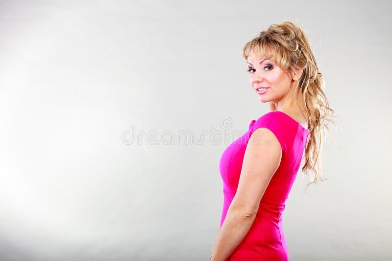 Ritratto maturo attraente della donna fotografia stock