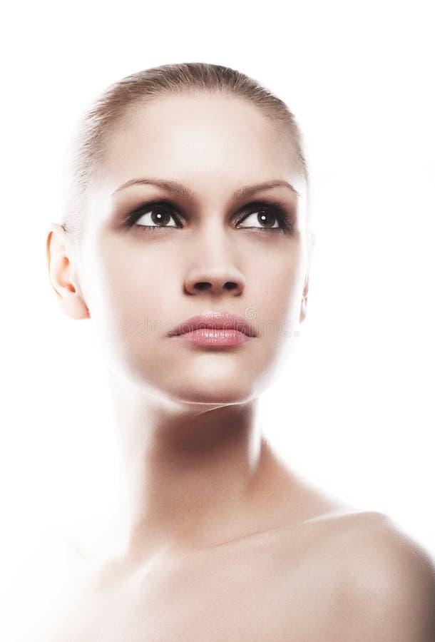 Ritratto naturale di trucco della bella ragazza con affumicato immagini stock libere da diritti
