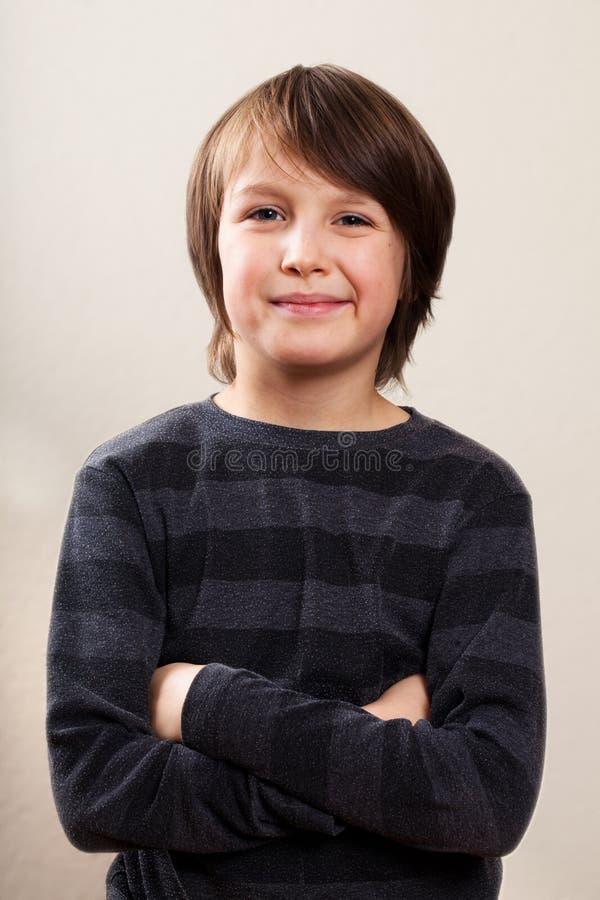 Ritratto reale della gente: Vita su, ragazzo Pre-Teenager immagini stock libere da diritti