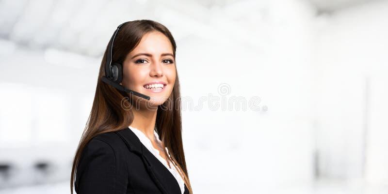 Ritratto sorridente della donna, grande copia-spazio fotografia stock