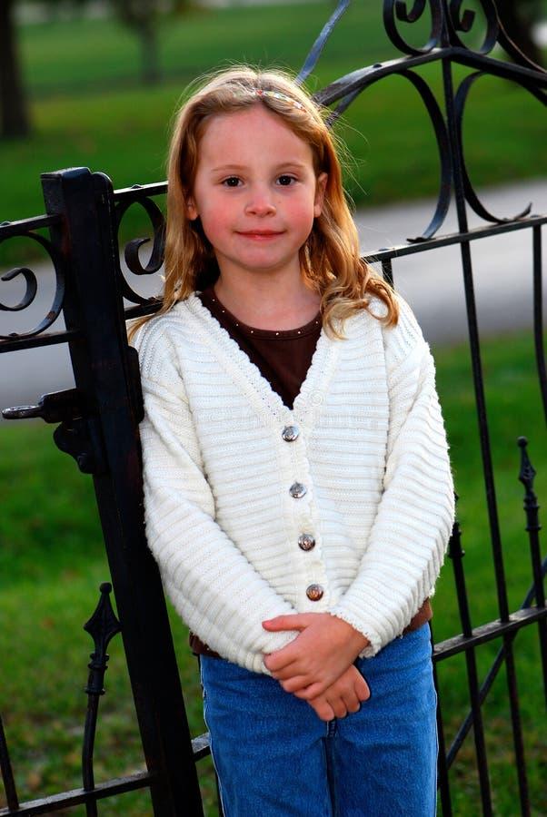 Ritratto sorridente della ragazza fotografia stock libera da diritti