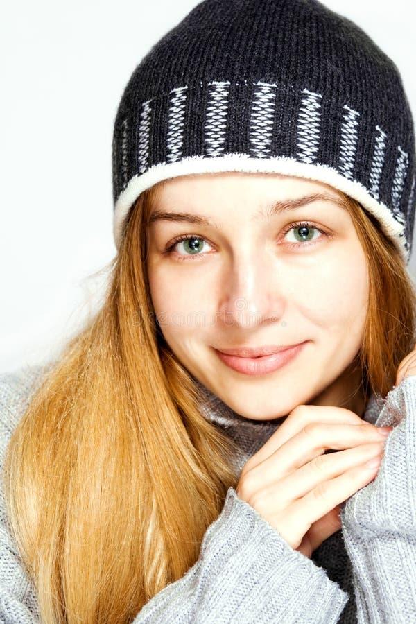 Ritratto stagionale di inverno di bello modello fotografia stock