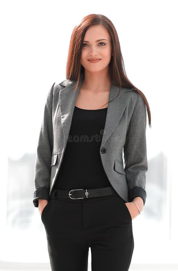 Ritratto stilizzato della donna moderna sicura fotografie stock libere da diritti