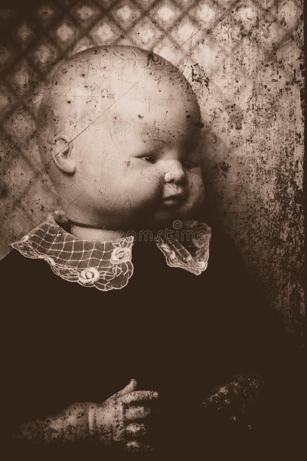 Ritratto terrificante della bambola fotografia stock