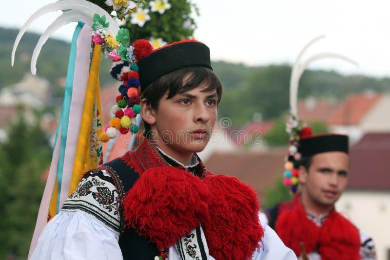 Ritt av konungfolklorefestivalen i Vlcnov, Tjeckien royaltyfri bild