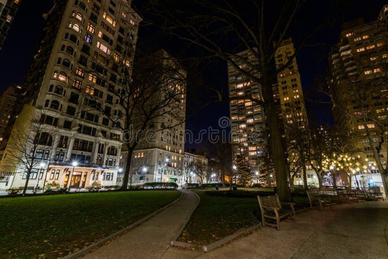Rittenhouse广场在中心城市在晚上在费城, Penn 库存图片