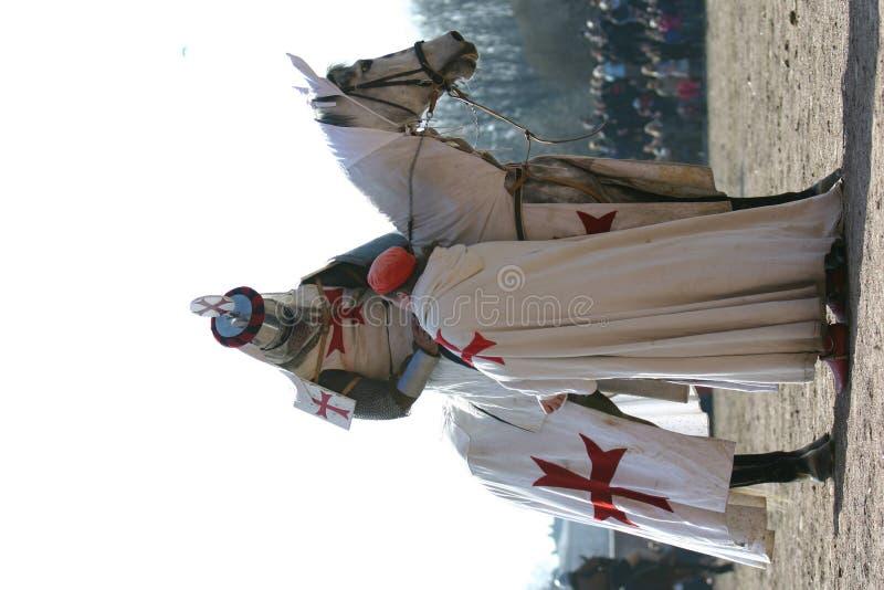 Ritter mit Pferd stockfotografie