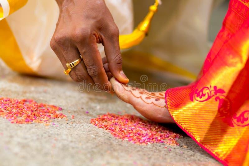 Rituais indianos hindu da cerimônia de casamento foto de stock royalty free