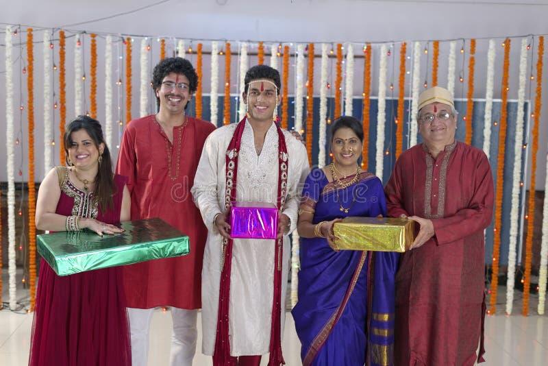 Ritual en la boda hindú india fotos de archivo