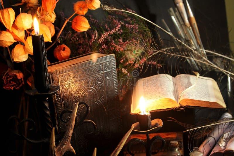 Ritual för svart magi arkivbilder