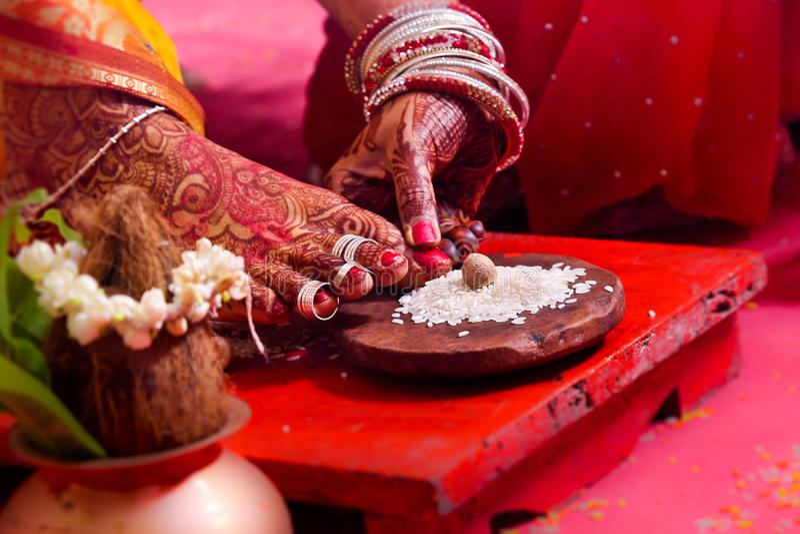 Ritual hindu da união imagens de stock