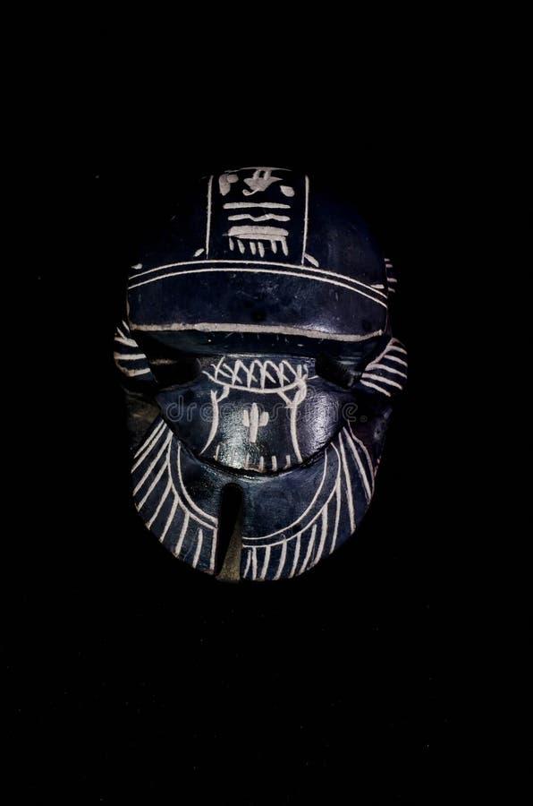 Rituell egyptisk skarabé för sten arkivfoton