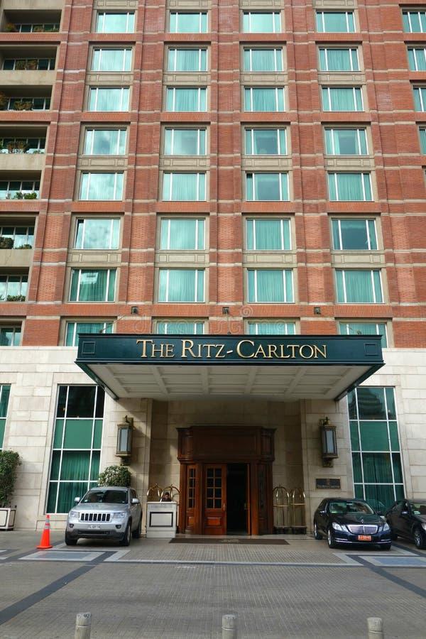 Free Ritz-Carlton Hotel Royalty Free Stock Photo - 43965335