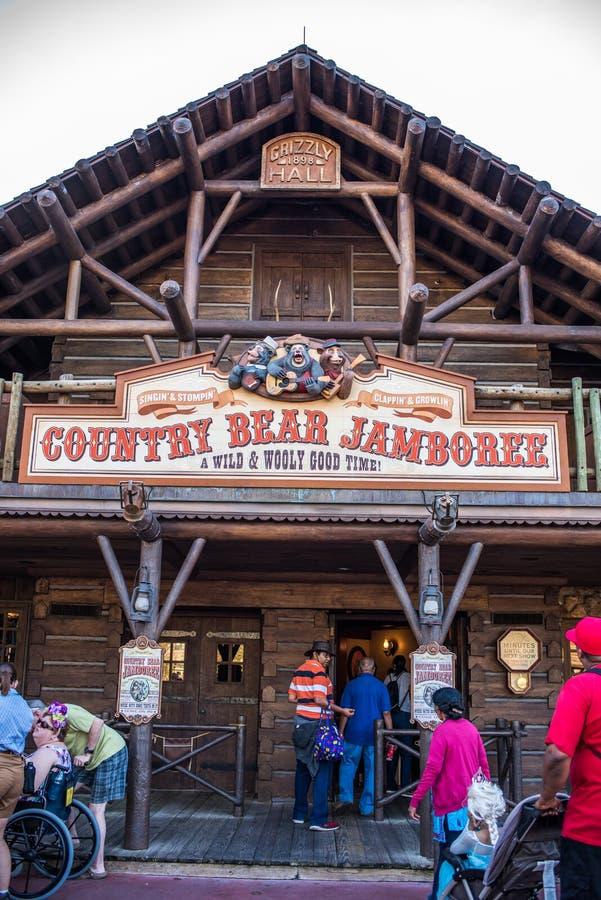 Riunione al regno magico, Walt Disney World dell'orso del paese immagine stock libera da diritti