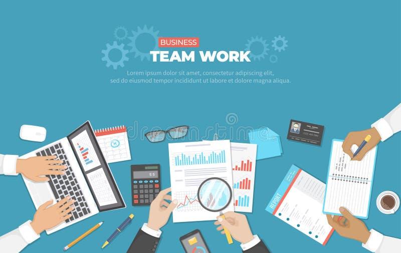Riunione d'affari e 'brainstorming' Concetto del lavoro di gruppo dell'ufficio Analisi, pianificazione, segnalazione, consultante royalty illustrazione gratis