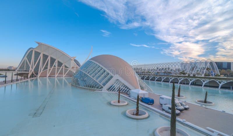 Riunione imminente di sera alla L ` emisferico a Valencia, città delle arti e delle scienze fotografia stock libera da diritti