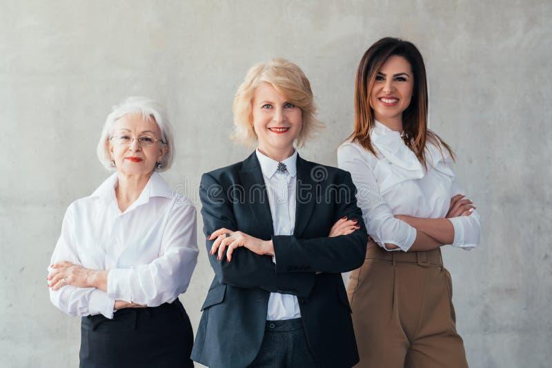 Riuscita carriera professionale delle donne di affari fotografia stock
