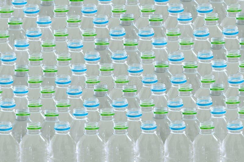 Riutilizzazione di plastica per il riciclaggio del mondo di protezione dell'ambiente di concetto per riciclare fotografia stock libera da diritti