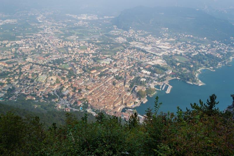 Download Riva Del Garda, à Partir De Dessus Image stock - Image du bridleways, automne: 45357591