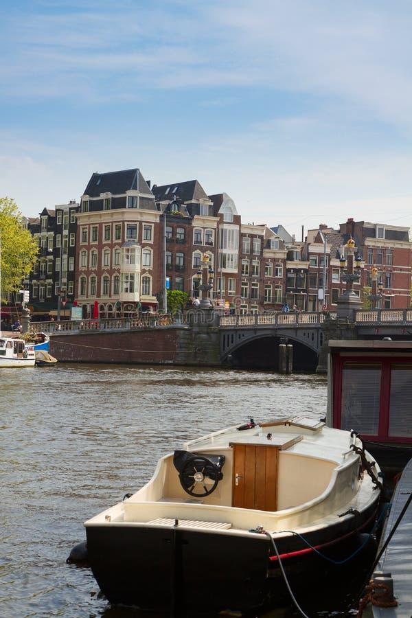 Riva di Amstel, Amsterdam, Paesi Bassi fotografie stock