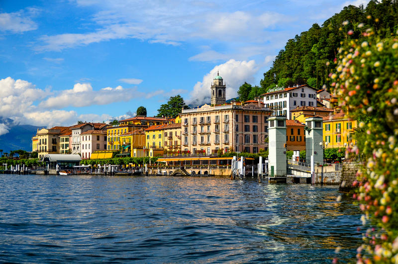 Rivage de Bellagio de parc public au como de lac, Italie photographie stock