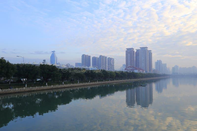 Rivage du nord-est de lever de soleil de lac de yundang photographie stock libre de droits