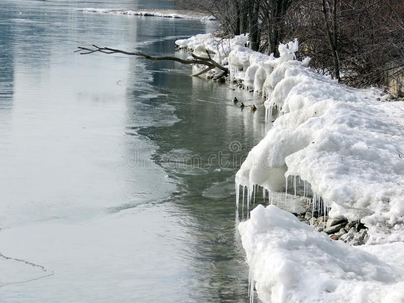 Rivage glacé par lac 2018 de Toronto photos stock