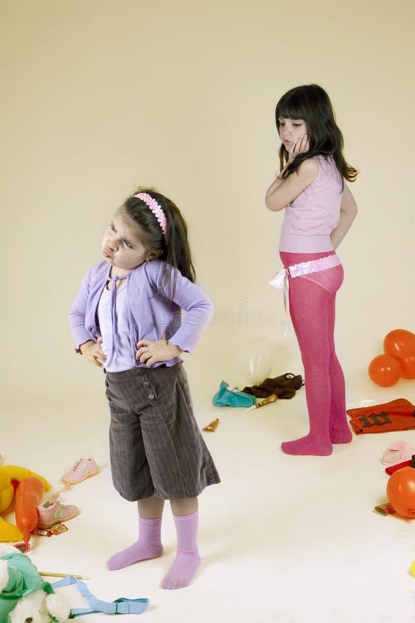 Rivalité d'enfant de mêmes parents photos stock