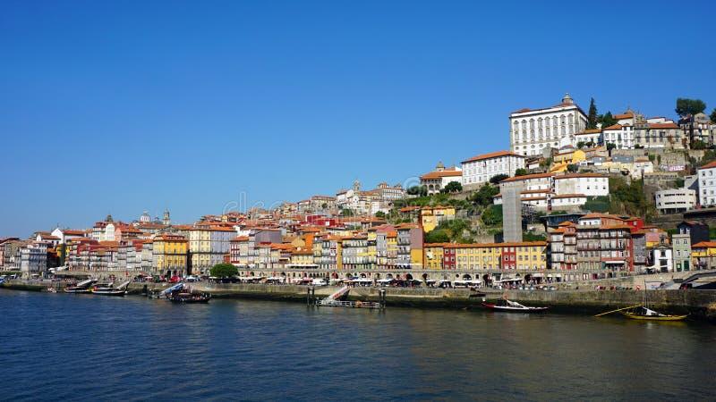 Rive colorée de Porto en automne photographie stock libre de droits