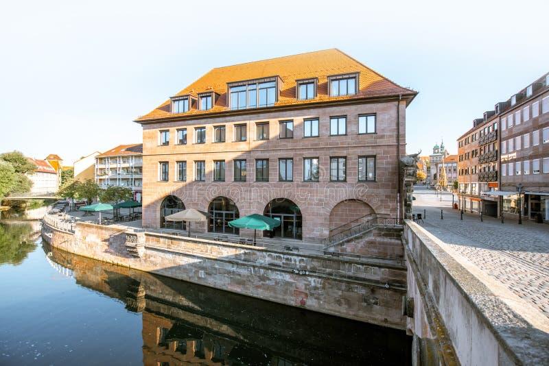 Rive de la vieille ville dans Nurnberg, Allemagne image stock