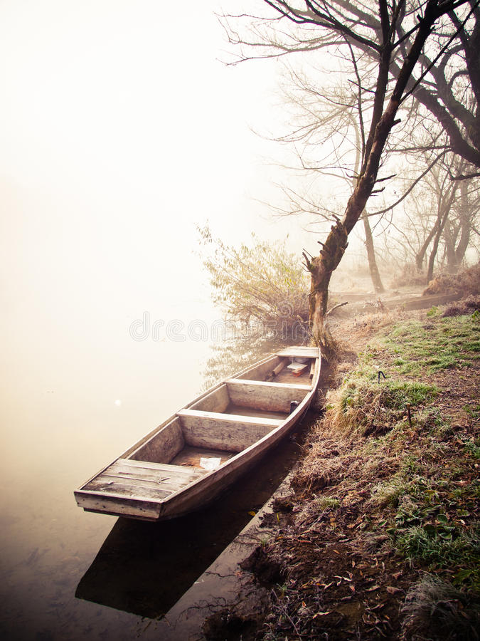 Free River Boat Royalty Free Stock Images - 22105359