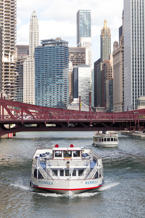 River cruise boats, Chicago River, Illinois stock image