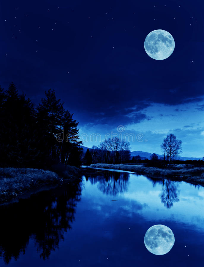Free River In The Night Royalty Free Stock Photos - 20989778