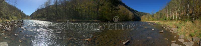 River Valley stillhet royaltyfri fotografi
