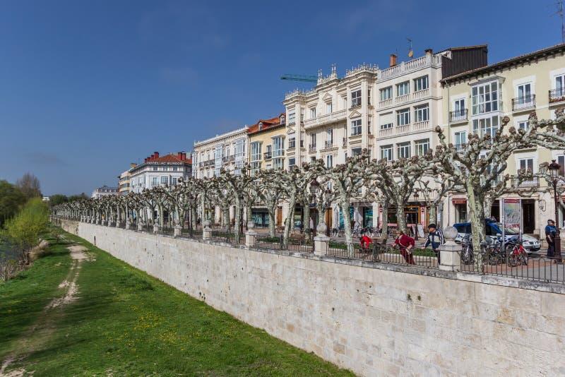 Riverbank del río de Arlanzon en Burgos fotos de archivo libres de regalías