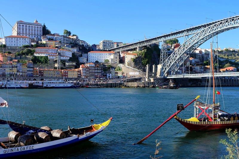 Riverbank del r?o del Duero en Oporto, Portugal imágenes de archivo libres de regalías