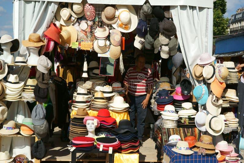 Riverbank Paris França de Seine da tenda da barraca dos chapéus de palha fotografia de stock