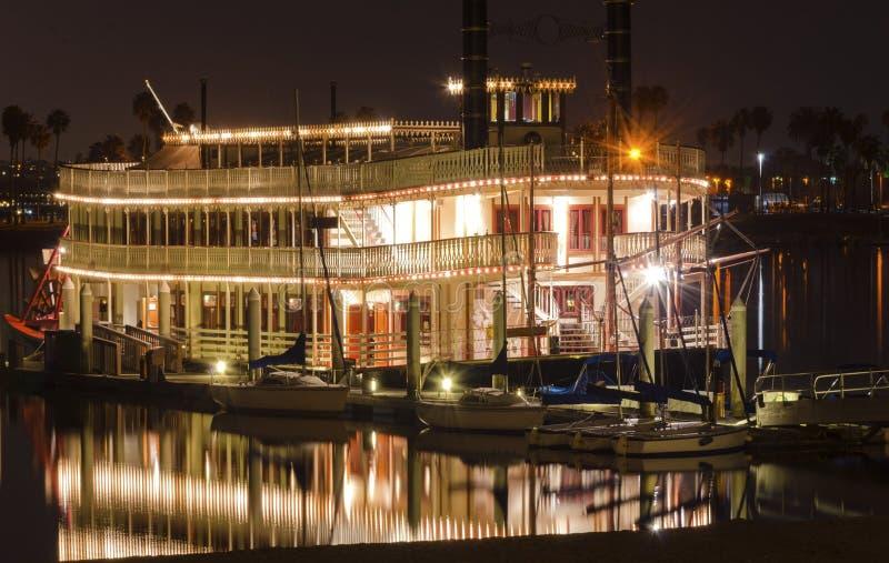 Riverboat i beskickningfjärden, San Diego arkivbild