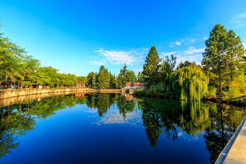Riverfrontpark stock afbeeldingen