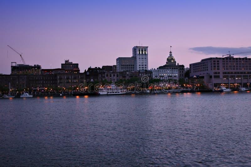 riverfrontsavannahskymning arkivbild