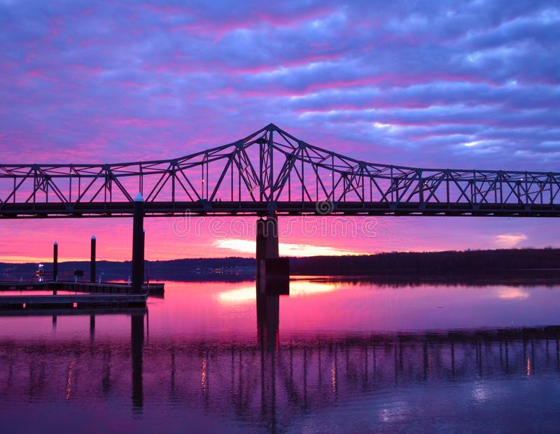 Riverfrontzonsopgang #2 royalty-vrije stock fotografie